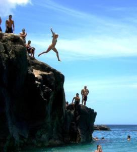 cliff Jamping